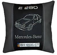 Подушка сувенирная с логотипом авто Mercedes мерседес