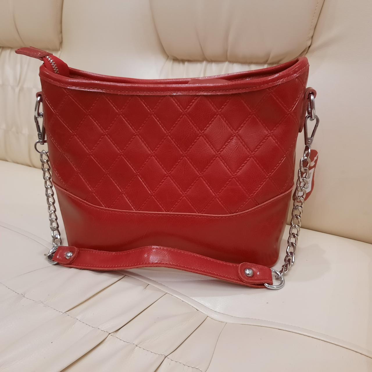 Молодежная красная женская сумочка из натуральной кожи