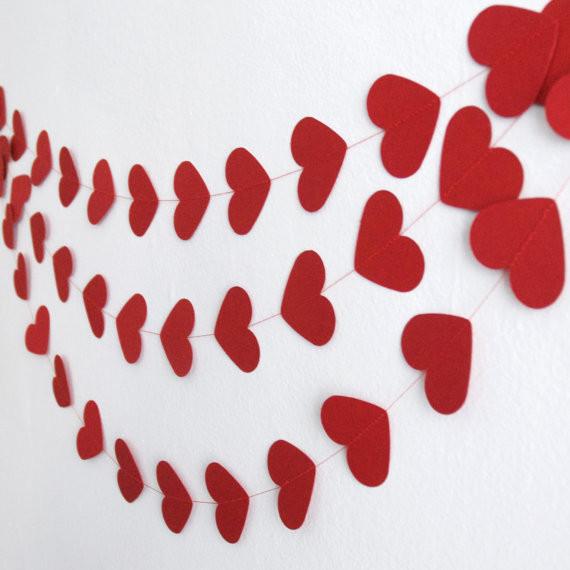 Гирлянда бумажная Сердца 15 см Красные 5 метров