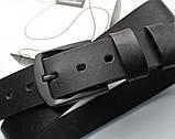 Мужской кожаный ремень с черной пряжкой черный, фото 2