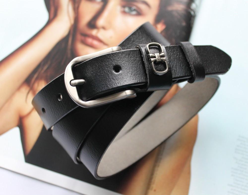 Женский кожаный ремень Salvatore Ferragamo черный