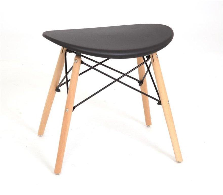 Черный табурет с пластиковым цельнолитым сиденьем и деревянными ножками Kris