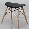 Черный табурет с пластиковым цельнолитым сиденьем и деревянными ножками Kris, фото 5