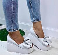 Кожаные женские туфли белые с бантом на белой платформе открытый носок Charisma