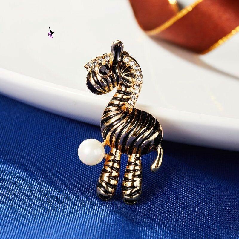 Весела металева брошка брошка значок з камінням із золотою зеброю 16105 ПТ10