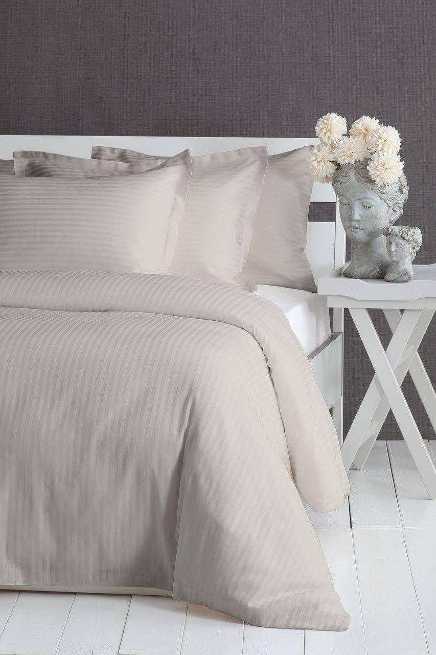 Семейный постельный комплект фирмы Pavia Linea