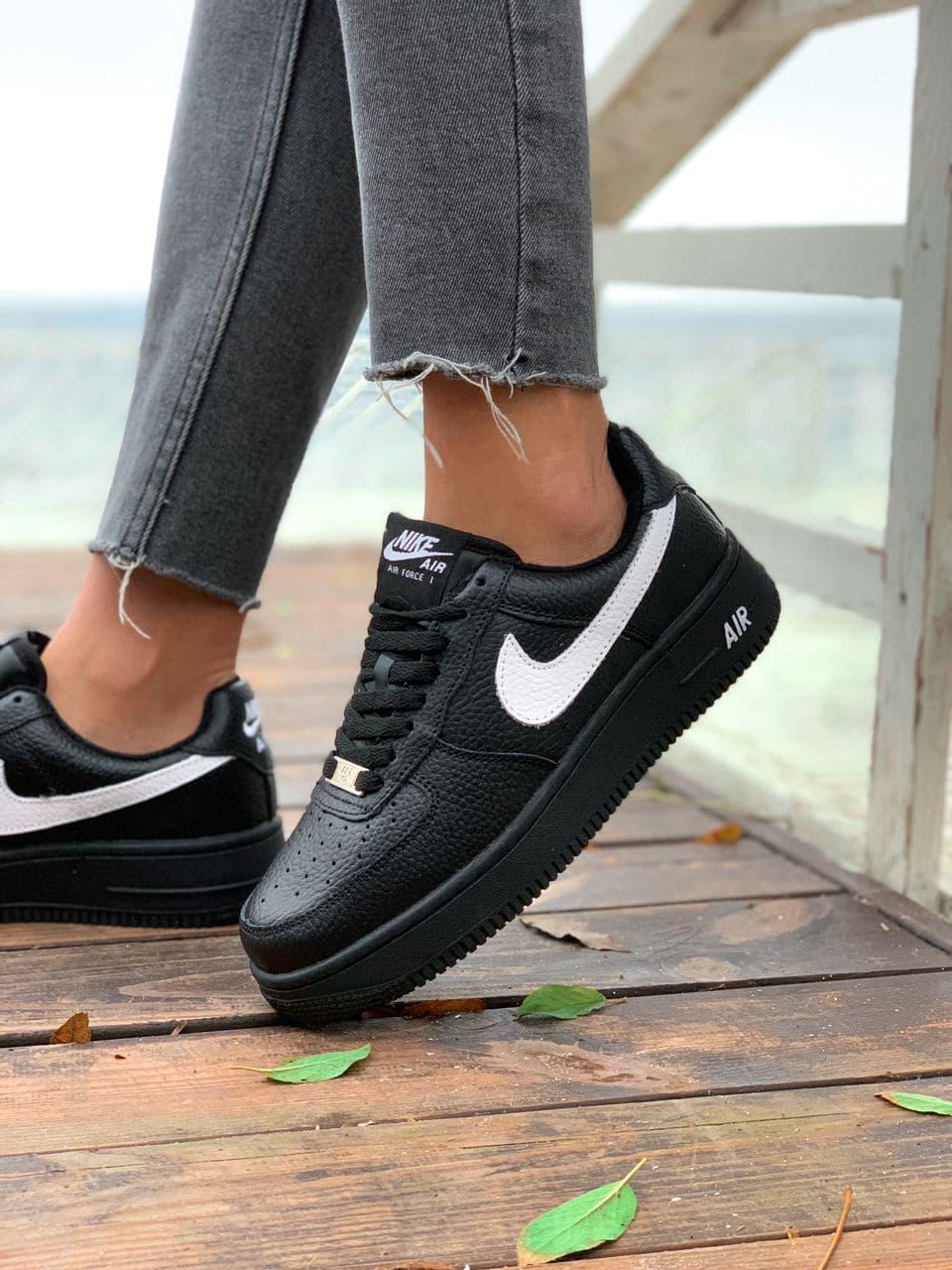 Женские кроссовки  Nike на меху черные(копия)