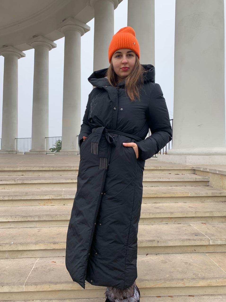 Женское зимнее  черное пальто Tongcoi 7815-701