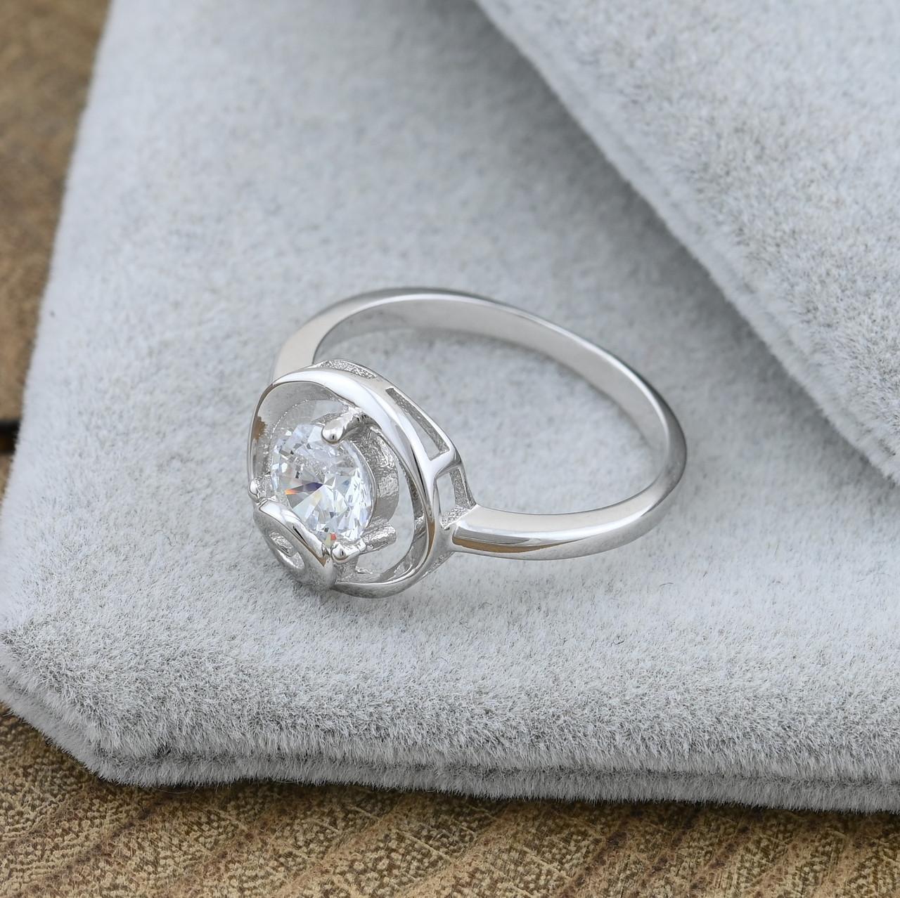 Серебряное кольцо размер 16.5 вставка белые фианиты вес 2.4 г
