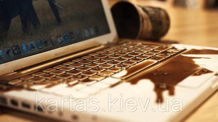 Чистка комп'ютера залітого рідиною