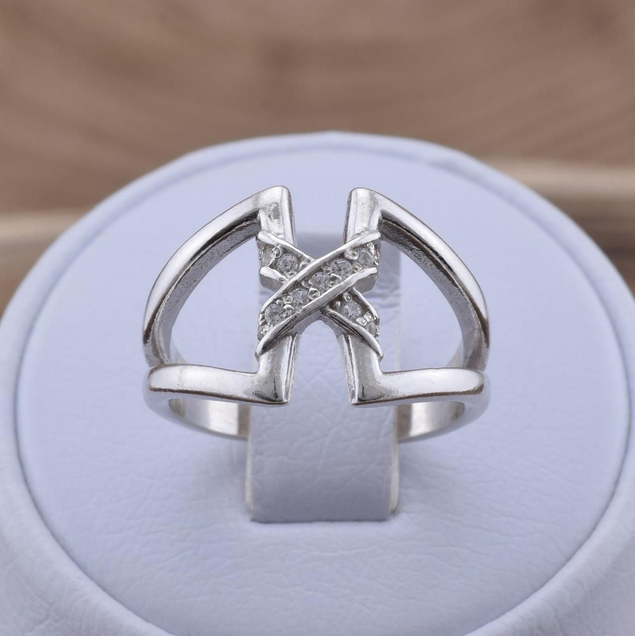 Серебряное кольцо Трикси вставка белые фианиты вес 3.5 г размер 20.5