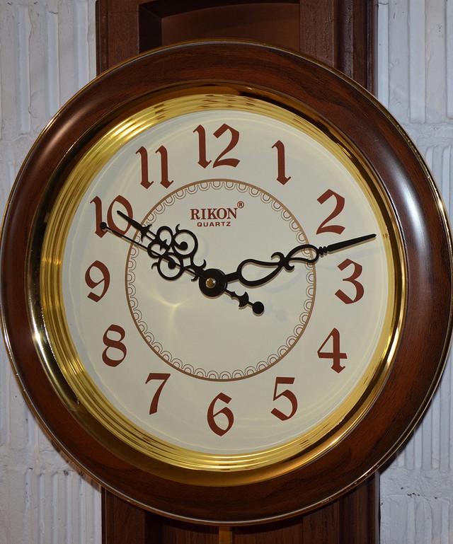 """Настенные часы с маятником """"Rikon RK4551"""" (фото)"""