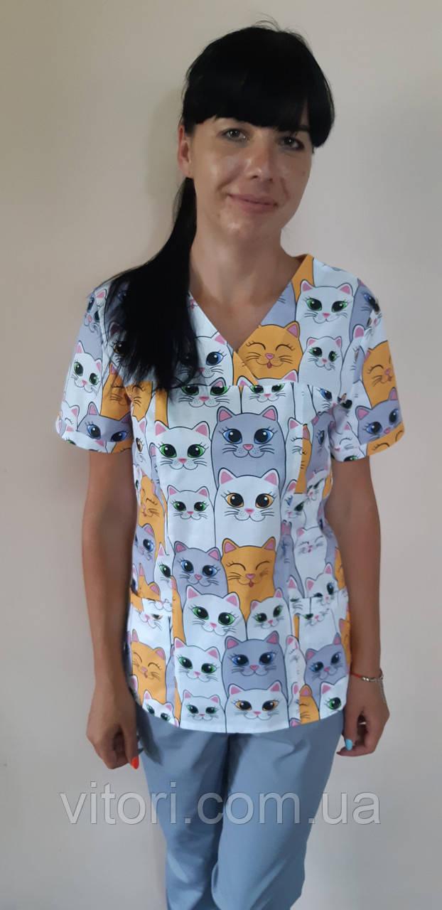 Женский медицинский костюм принт Большие коты