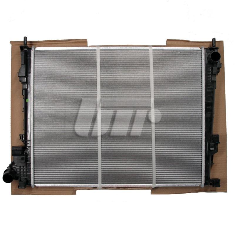 Радиатор охлаждения  RENAULT Trafic от 2001 / Радиатор на Рено Трафик