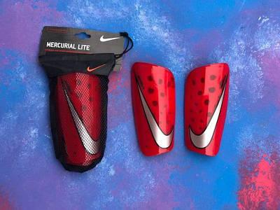 Щитки футбольные/держатели для щитков