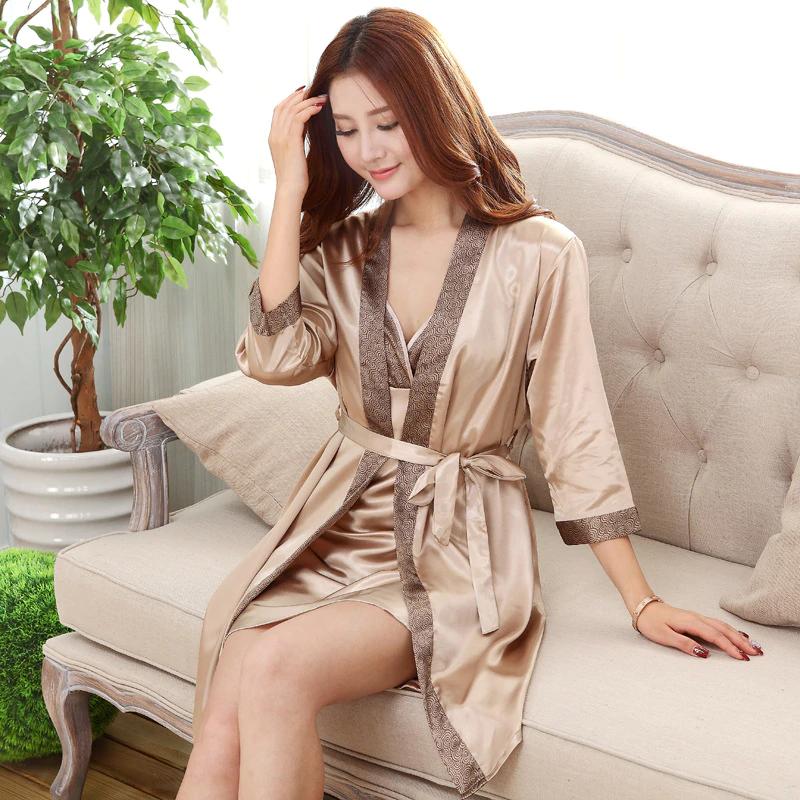 Женский комплект Vero Moda атласный халат и ночная рубашка песочный XL