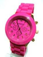 Часы на силиконовом ремне ярко розовые