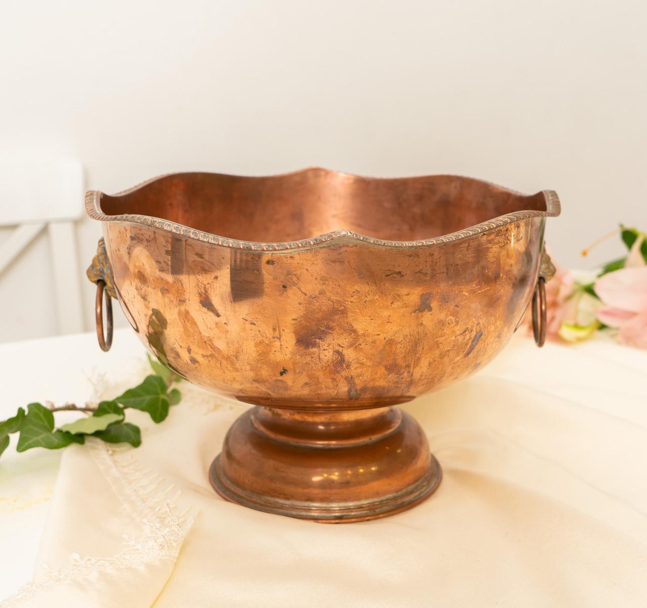 Старая медная чаша для пунша с львиными головами вместо ручек, кашпо, горшок, медь, Англия