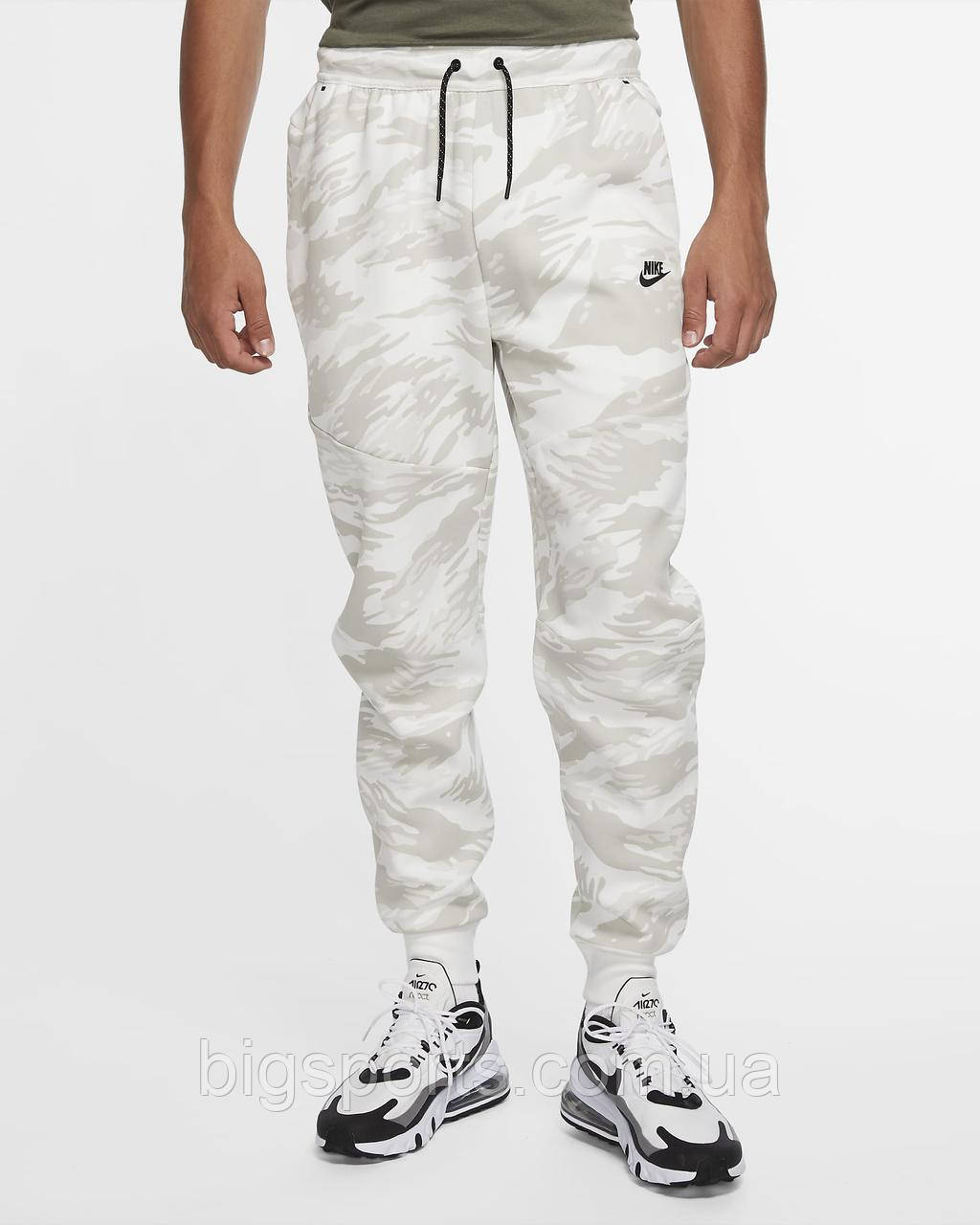 Штаны муж. Nike Sportswear Tech Fleece Joggers All Over Print (арт. CU4497-121)