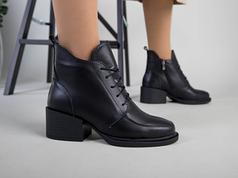 Ботинки женские кожаные черные на каблуке зимние