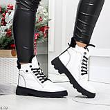 Нарядные белые зимние женские ботинки на черной шнуровке 38-24см, фото 2
