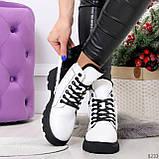 Нарядные белые зимние женские ботинки на черной шнуровке 38-24см, фото 4