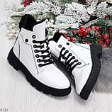 Нарядные белые зимние женские ботинки на черной шнуровке 38-24см, фото 6