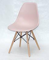 Дизайнерський стілець Nik N рожевий на букових дерев'яних ніжках
