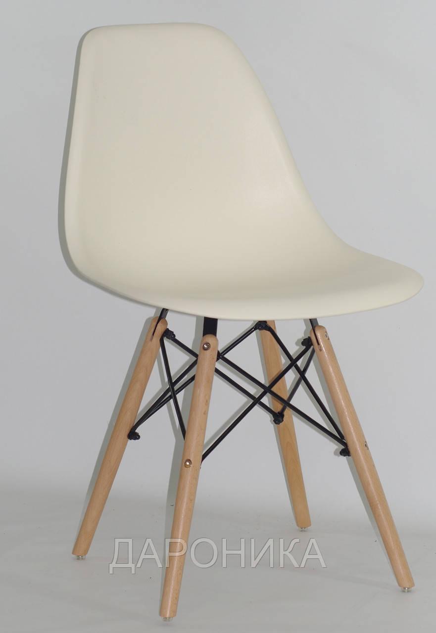 Стул дизайнерский Nik N  молочный  на деревянных буковых ножках