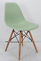 Дизайнерський стілець Nik N зелений 41 на букових дерев'яних ніжках