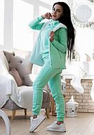 Женский спортивный костюм на флисе с жилеткой