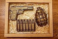 """Подарки для детей - Подарочный набор """"Пистолет, патроны, граната"""" с бельгийского чёрного шоколада"""