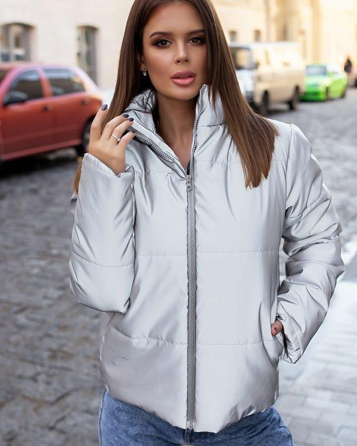 Модная женская укороченная зимняя куртка светоотражающая