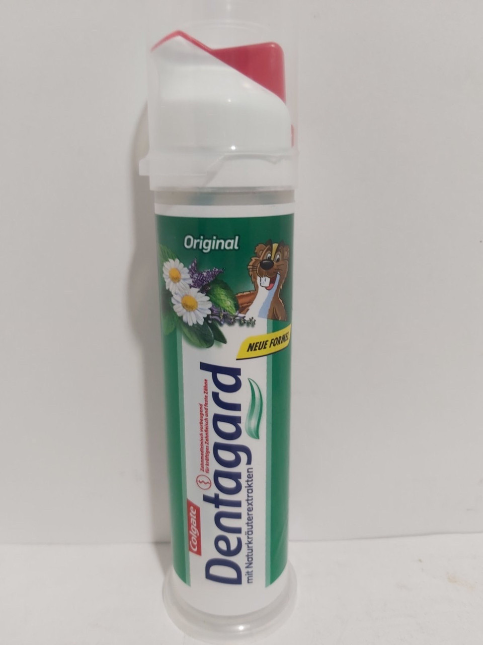Зубная паста с лечебными травами Colgate Dentagard с дозатором 100 мл