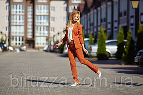 Повседневный офисный брючный костюм с коротким пиджаком 42 - 48