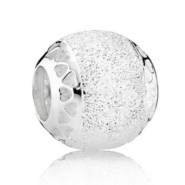 Пандора Сияющие сердца с бриллиантовым напылением Pandora 792097