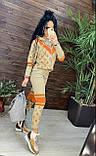 Женский брендовый вязаный костюм с логотипами, в бежевом цвете, р.42/46, фото 8