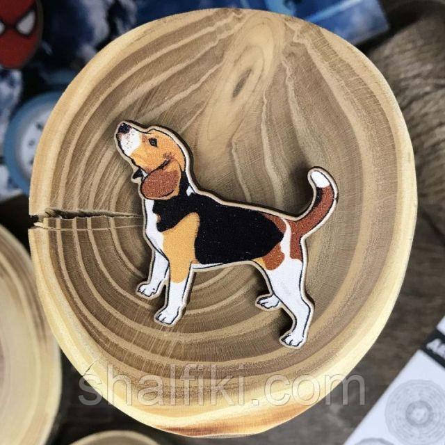 """""""Собака Бигль"""" брошь деревянная с уф-печатью"""