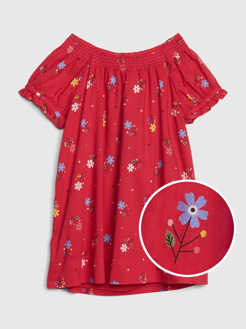 Красное платье со сборочками и вышитыми цветочками GAP для девочки