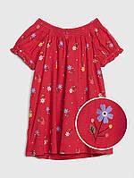 Красное платье со сборочками и вышитыми цветочками GAP для девочки, фото 1