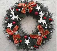 Новогодний венок искусственный рождественский ПВХ с красными бантами 35 см