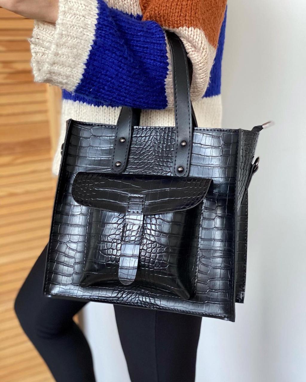 Женская сумка черная средняя классическая с карманом повседневная квадратная под рептилию экокожа