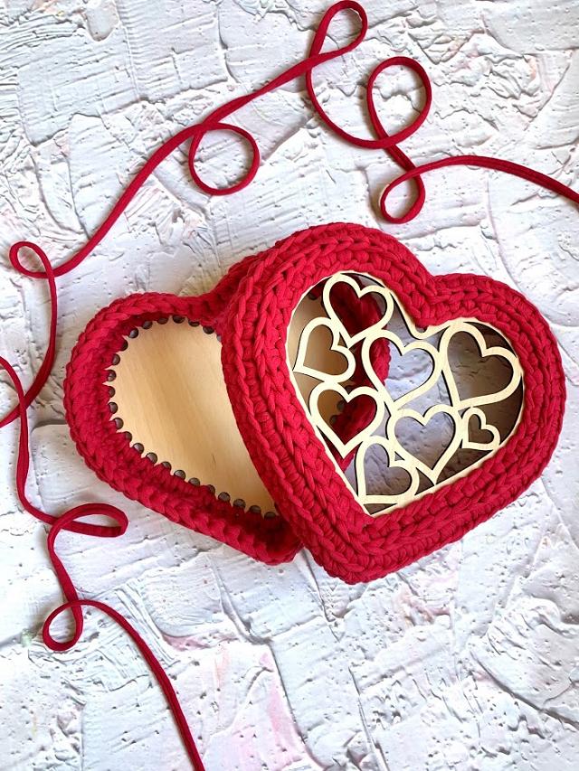Подарочная шкатулка Сердце из трикотажной пряжи Bobilon