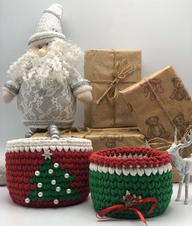 Новогодние корзинки из тикотажной пряжи Бобилон