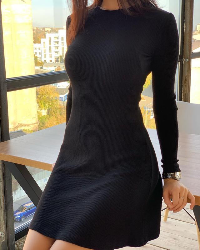Жіноча міні плаття, під горло з довгим рукавом