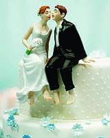 Романтичная фигурка на свадебный торт