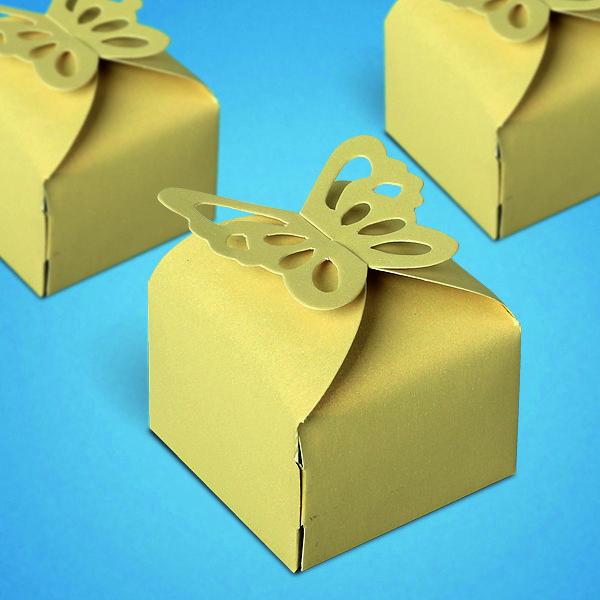 Бонбоньерка свадебная, коробочка с бабочкой