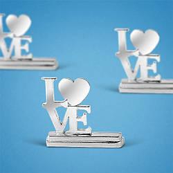 """Подставка под номерки на свадебный стол в виде """"LOVE"""""""