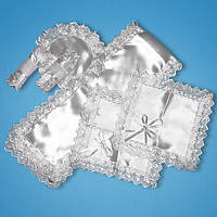 Набор для венчания (рушник,два платочка,два подсвечника,салфетка под кольца)