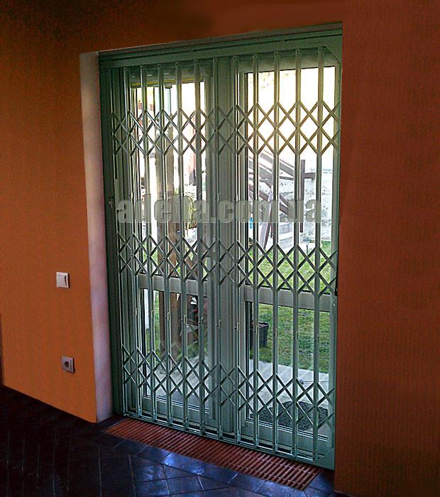 Раздвижная решетка на дверь Шир.1255*Выс2200мм для офиса
